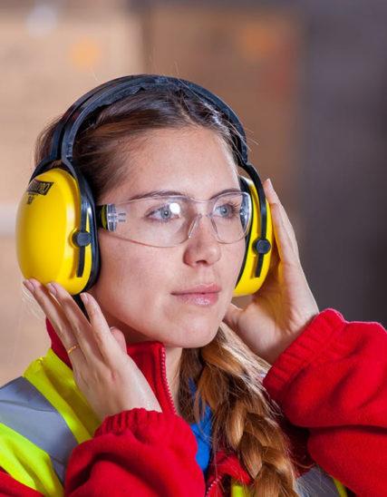 normativa vestuario laboral epis protección en el trabajo